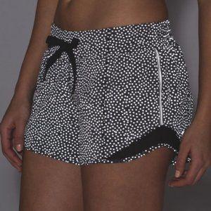 LULULEMON Hotty Hot Shorts Shine Bright Dot {UU30}